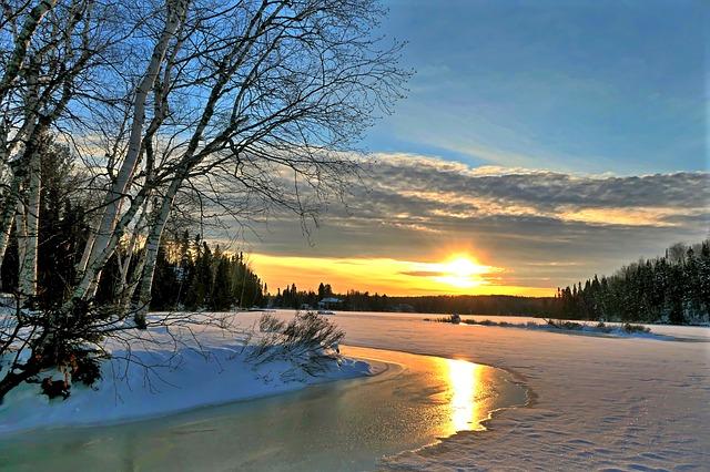 západ slunce v zimě