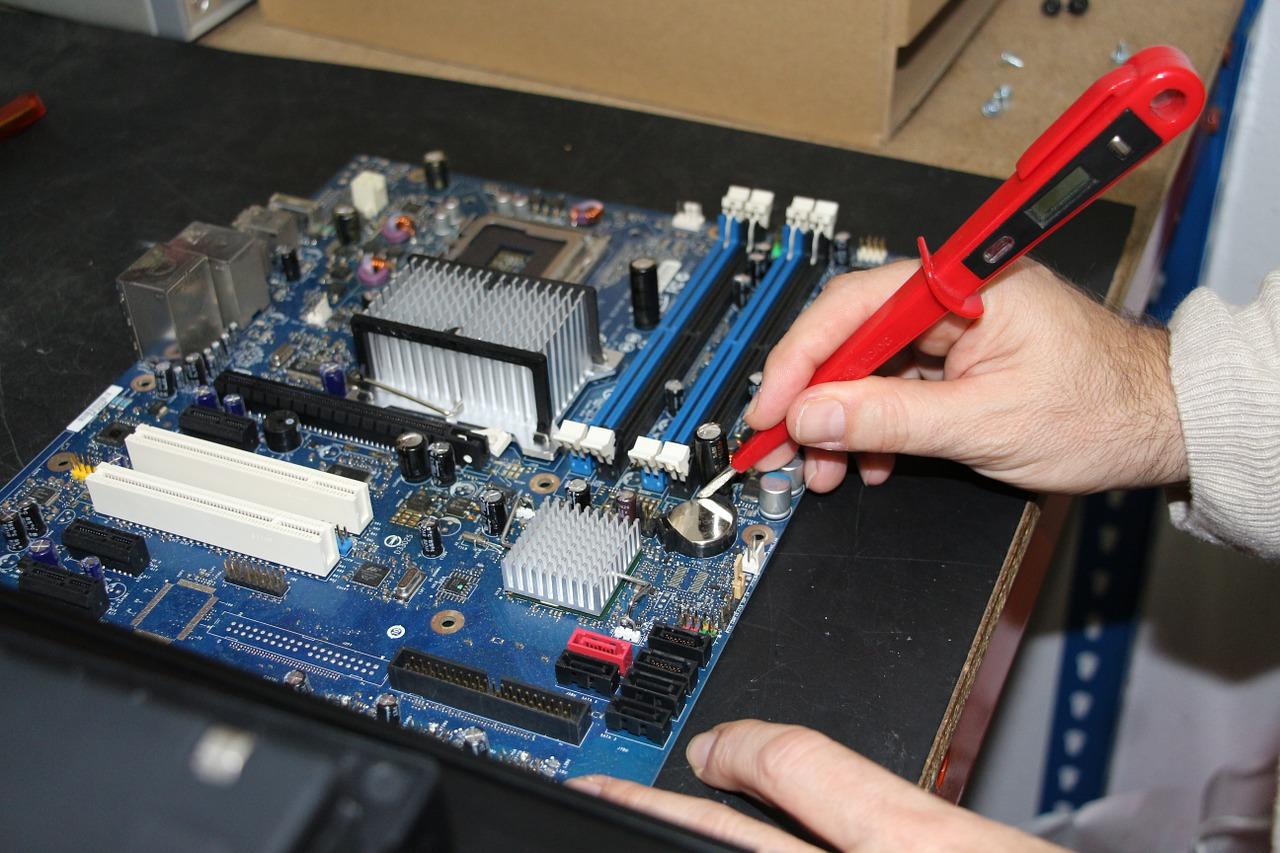 Vyplatí se opravit PC, anebo je výhodnější pořídit nové